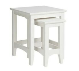 Collection Camborne Nest of 2 Solid Wood Tables - White