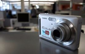 "Casio Exilim EX-Z19 SR digital camera (9 megapixels, 3x optical zoom, 2.6 ""display) silver"