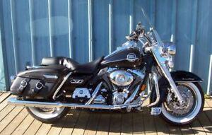 Harley-Davidson 2 bikes