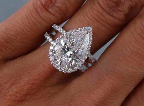 Stunning 1.50 Ct Pear Cut Diamond Engagement Ring F, VS2 GIA 18K White Gold  1
