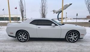 2015 Dodge Challenger SXT PLUS Coupe (Able to provide financing)