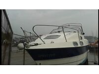 Sealine 215 motorboat with trailer