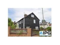 Bright And Spacious 4 Bedrooms House Situated Within Burnt Oak, Edgware.