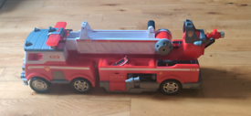 Paw Patrol Ultimate Rescue Fire Truck
