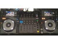 Pioneer CDJ2000nexus & DJM900nexus