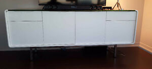 ELEGANT ITALIAN WHITE LACQUER SIDEBOARD WITH BLACK GLASS TOP