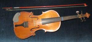 Violon Antonius stradivarius cremononfis faciebat anno 17 archet