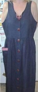 CASUAL SUMMER DRESS WITH LARGE APPLE BUTTONS