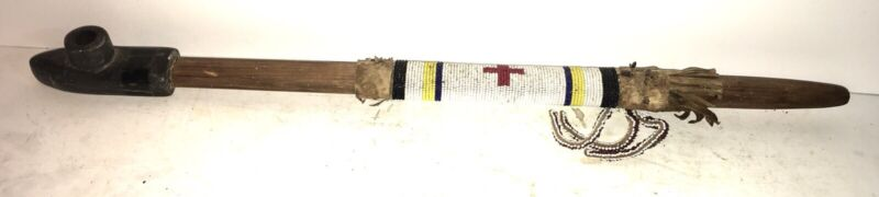 Antique NATIVE AMERICAN INDIAN Sacred Pipe LAKOTA SIOUX STYLE BEADED