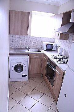 2/3 bedroom flat by west kensington station w14