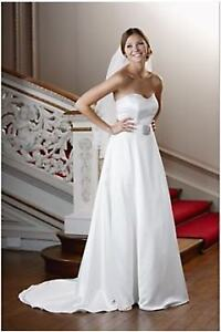 BNWT - Traditional Wedding Dress NICHOLAS MILLINGTON - sz 10 RRP £290