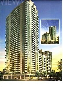 Luxury Condo,Sun-Filled 1 Bdrm + Den | Grand Trunk Cres
