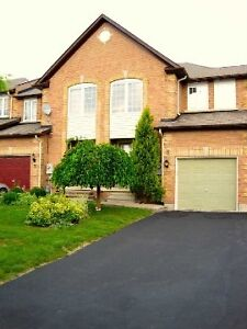 Town houses for sale in Richmond hill