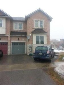heart of stouffville semi-detached for leasing