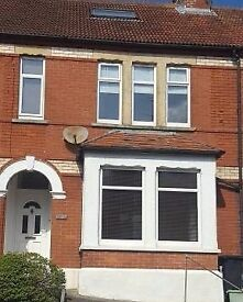 Large Double Room to Rent in 4 Bedroom House near Yeovil Hospital - £400 per month including bills
