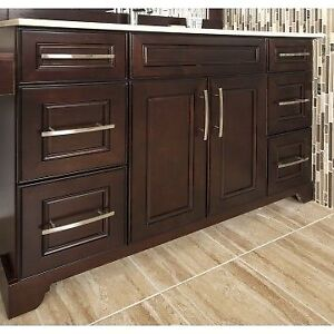 BATHROOM VANITY FOR SALE IN A GOOD PRICE