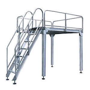 Ladders and scaffolds all types mobile/text  705 274 0356