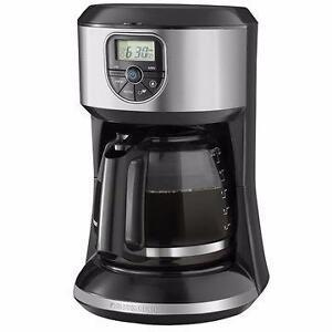 Cafetière numérique 12 tasses Black & Decker ( CM4000SC )