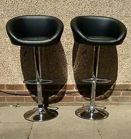 Pair of black/chrome bar stools