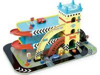 Le Toy Van Mikes Auto Garage