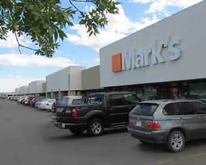 1,153 ± sf Available in Busy Forest Hills Plaza