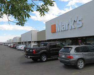 801 - 1,615 ± sf Available in Busy Forest Hills Plaza