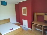 big bedroom with TV, 450£ (inc bills) near Gloucester road, and big companies
