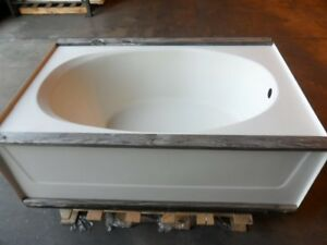 Aquarius praxis g2406torwh white 60 039 039 x 42 039 039 for Oval garden tub