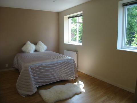 3 bed and 3 baths flat 5 min from tube.