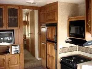 32' Cougar fifth Wheel in Great Shape