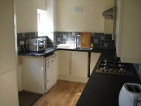 4 Double Rooms Available in Excellent Shared House near Welling Station