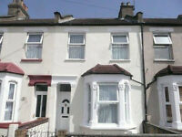 This house ideal for students or working people, only a 5 minute walk to Edmonton Green