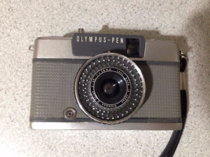 Olympus-Pen EE-2 35mm Film Camera