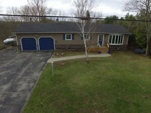 MUST SEE FAMILY HOME! Close to Lakefield-Brad Sinclair Flat Rate