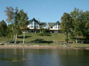 Magnificent 425 Feet Waterfront Bungaloft!!