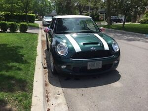 LOW KM'S! 2007 MINI Mini Cooper S white Coupe (2 door)