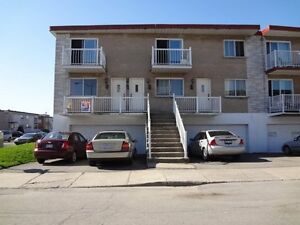 RENOVATED 5 1/2 FOR RENT-SEPT.1ST-GARAGE & PARKING SPACE INCL!