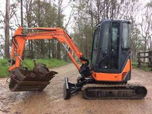 Excavator Hitachi ZX30 Gympie Gympie Area Preview