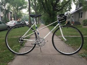 Vintage Ladies 1980s Raleigh road bike