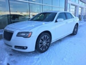 2014 Chrysler 300 S AWD TOIT PANO CUIR CAMERA