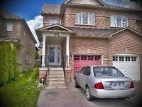 Beautiful Detached Home in Mississauga for Lease