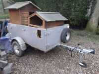 Robust Towable Ball Hitch Trailer With Light Bar