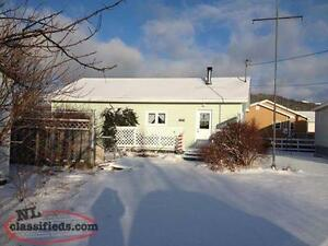 2 bedroom (+den) house in Placentia