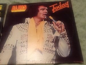 Elvis & Neil Diamond original LPs-albums/old vinyls-before 1970 Kitchener / Waterloo Kitchener Area image 1