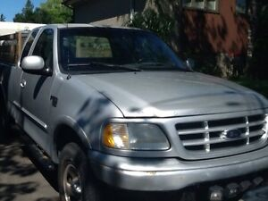 Ford F150 2000 (negotable)