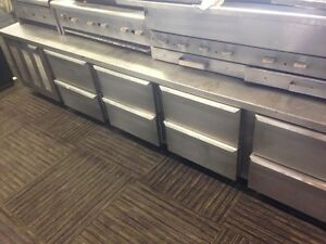 9FT WIDE REFRIDGERATED 8 DRAWER CHEF STATION