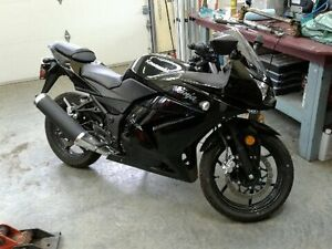 2011 Kawasaki Ninja 250R. BRAND NEW CONDITION