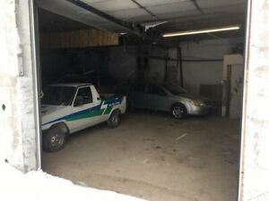 AUTOMOTIVE BAYS FOR RENT IN CENTRAL OSHAWA