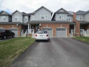 3 BEDROOM TOWNHOUSE FOR RENT-BARRIE-MAPLEVIEW/PRINCE WILLIAM