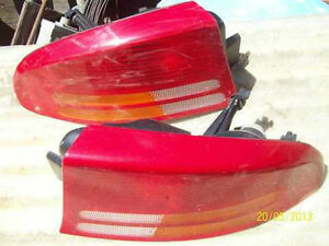 Intrepid Tail Light Set